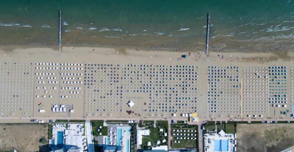 beach-far.jpg